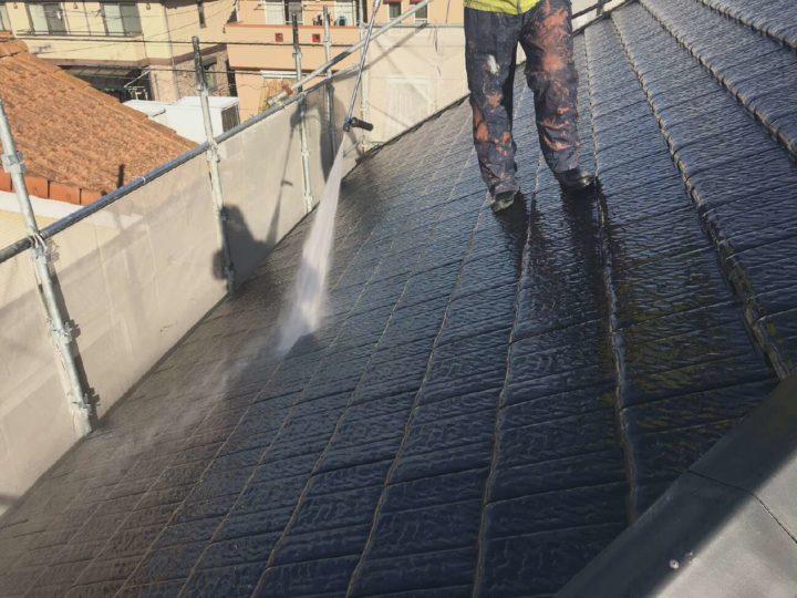 塗らない屋根も洗います