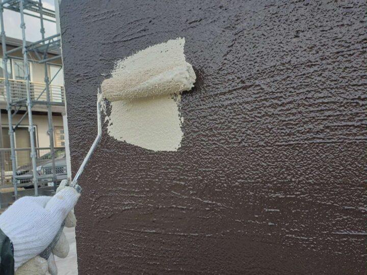 塀 中塗り